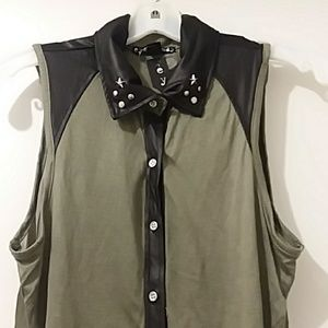 Eye Candy nwt blouse olive green& black Med.